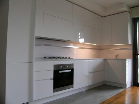 cucina laccato lucido white moon modello emetrica