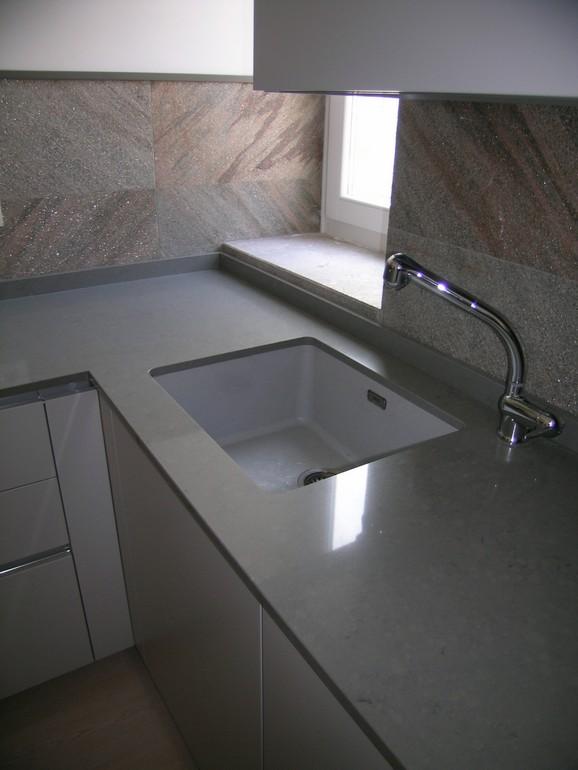 piano in quarzo con lavello franke sottopiano