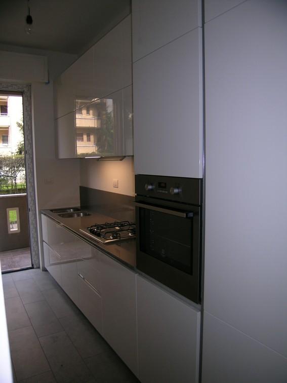 cucina moderna ernestomeda laccato bianco lucido